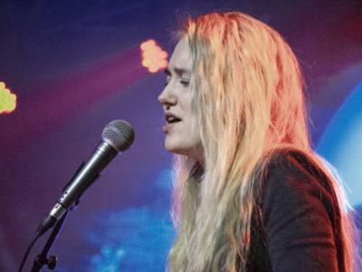 """Freja Lund: """"Drømmen er at komme til at leve af at skrive sange."""""""
