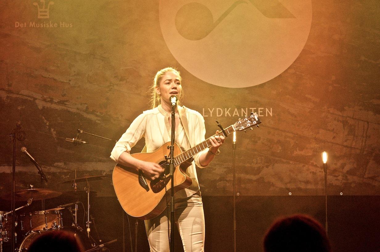 """Tess Daarbak: """"Jeg har lært, at sangskrivning ikke har en facitliste"""""""